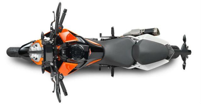 2017-KTM-Duke-390-top-view