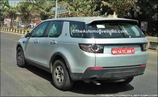 Range-Rover-Discovery-Base-Version-Spied-2