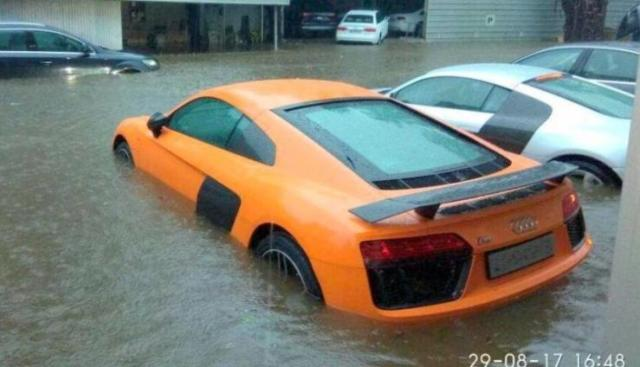 Audi R8s stuck in Mumbai Flood 2017