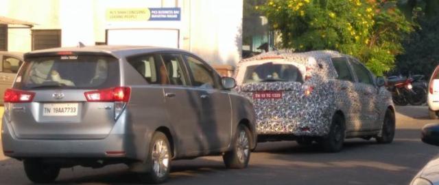 Mahindra U321 MPV testing alongside the Toyota Innova Crysta