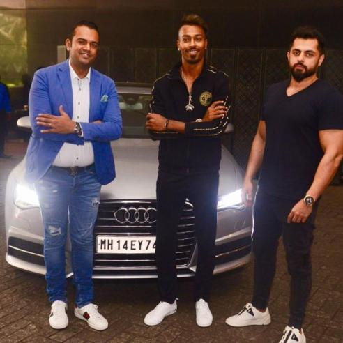 hardik pandya with car Audi A6 Also rang rover