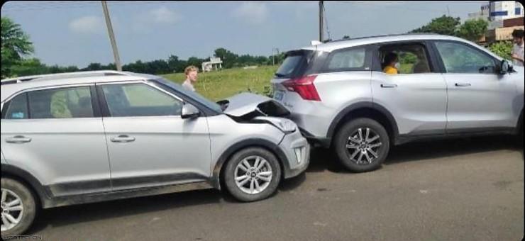 Mahindra XUV700 पीछे से Hyundai Creta को लगी टक्कर: ये रहे नतीजे: