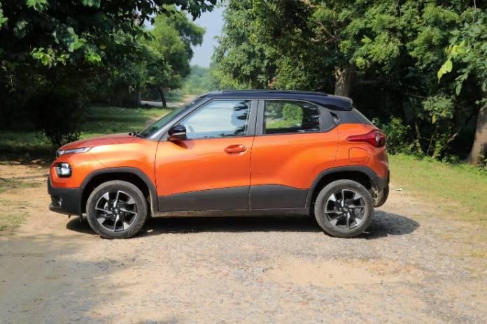 टाटा पंच मारुति इग्निस और महिंद्रा केयूवी100 की तुलना में लंबा और चौड़ा है: आकार तुलना