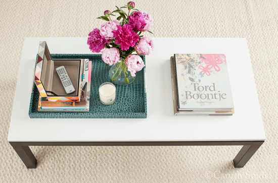 Coffee-table-with-open-box