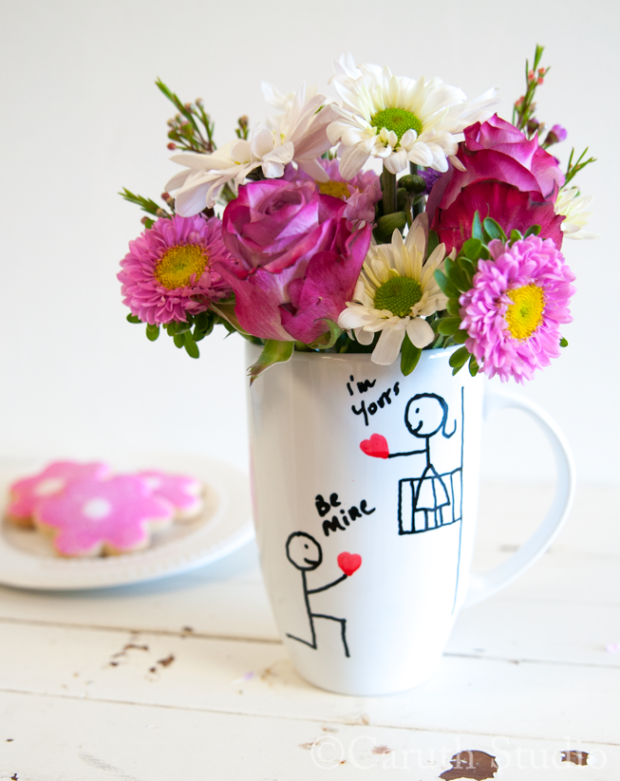 Stick-figure-Valentine-cup-with-flowers