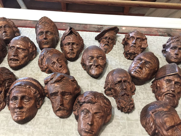 CWLIB10_heads2