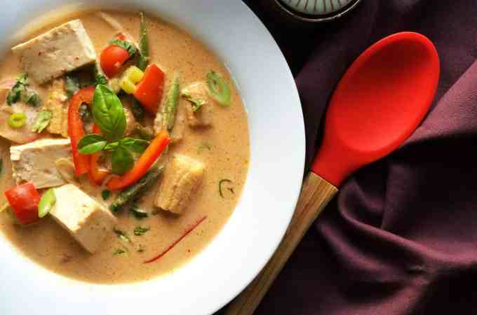 restaurant style vegan red thai curry