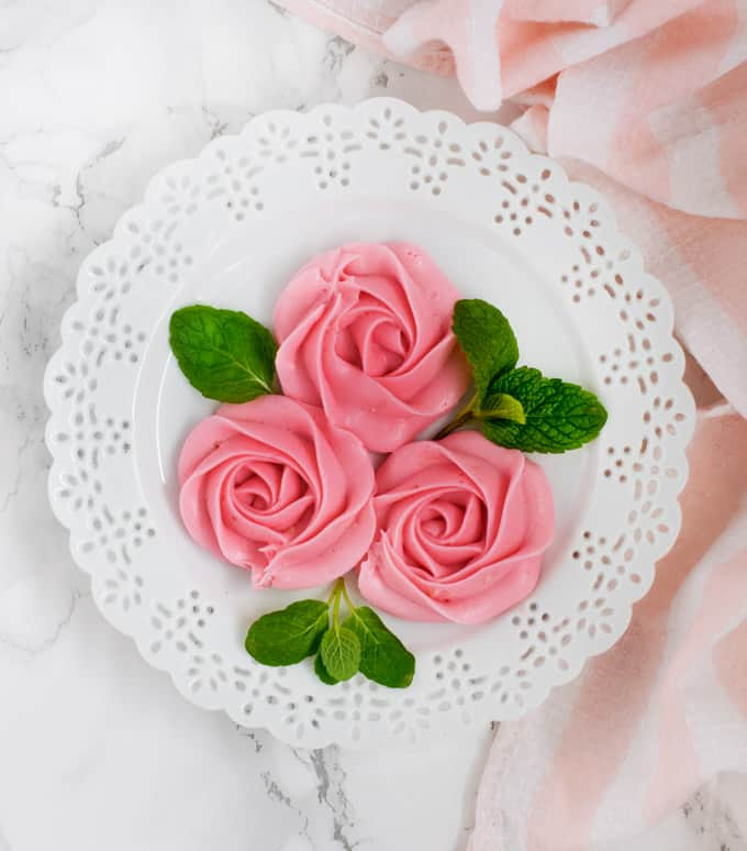 cream-cheese-frosting-rose-tutorial