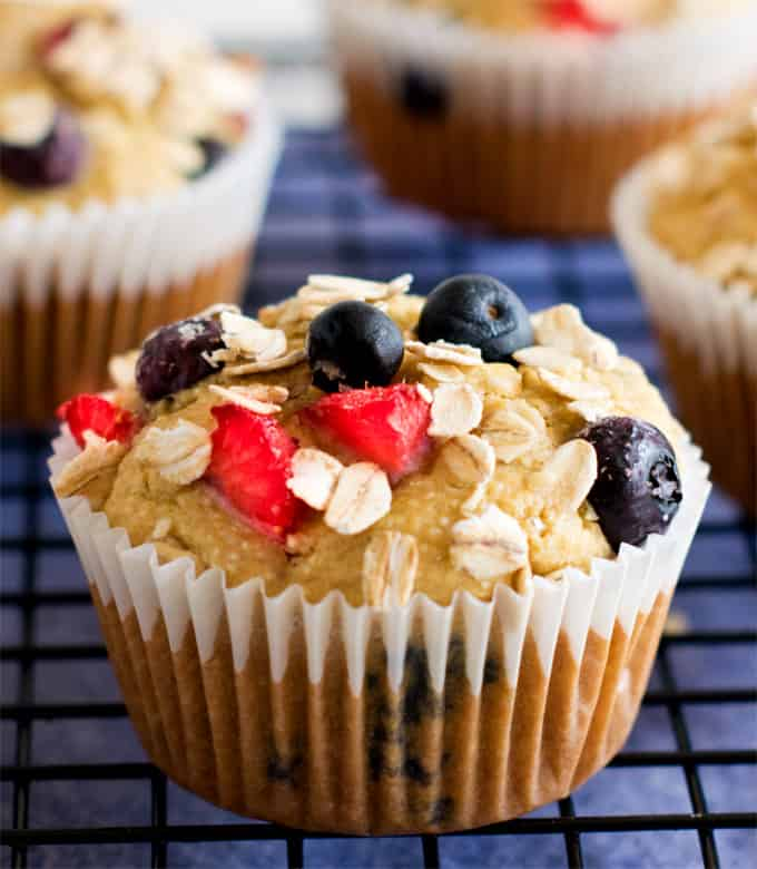 Breakfast oats berry multi grain muffins
