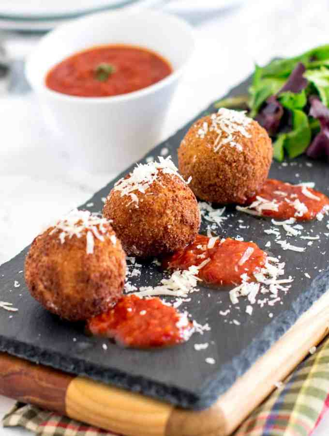 5 ingredient ricotta cheese balls – party perfect appetizer