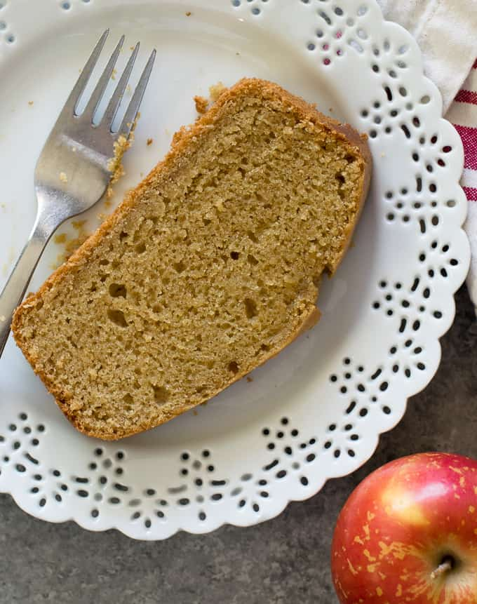 Moist Vegan Apple Cake