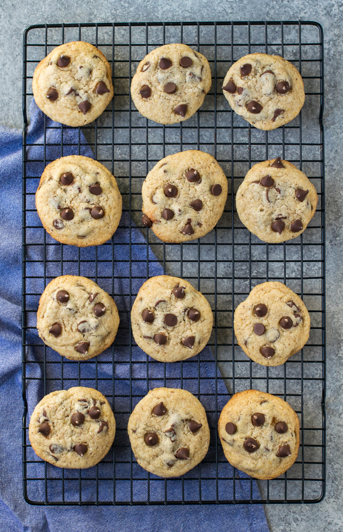 Cookies placed on a cooling rack