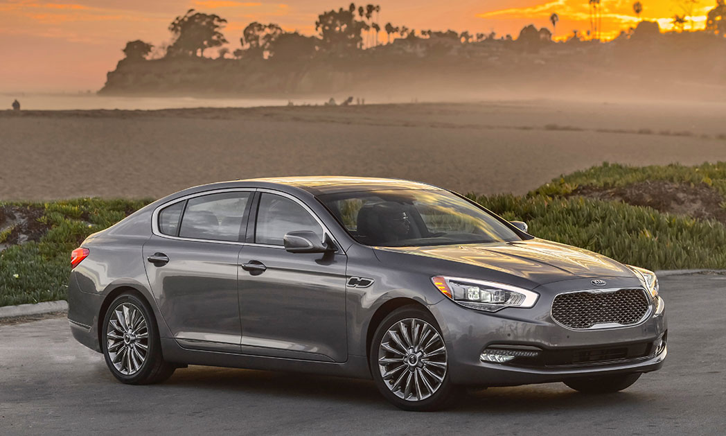 https://i1.wp.com/www.carvisionnews.com/wp-content/uploads/2015/01/cvr-01-16-15-the-kia-k900-is-convincing-in-the-luxury-sedan-role.jpg?fit=1048%2C629&ssl=1