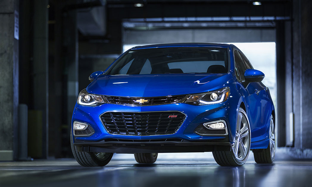 https://i1.wp.com/www.carvisionnews.com/wp-content/uploads/2016/05/cvr-05-20-16-new-chevy-cruze-up-against-heavy-competition.jpg?fit=1048%2C629&ssl=1