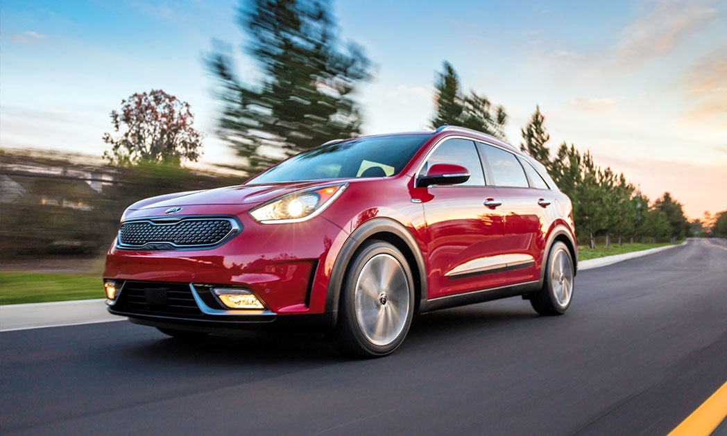 https://i1.wp.com/www.carvisionnews.com/wp-content/uploads/2017/12/kia-niro-small-crossover-has-a-time-released-wow-factor.jpg?fit=1048%2C629&ssl=1