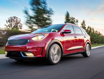 Kia Niro Hybrid Small Crossover Has A Time-Released Wow Factor