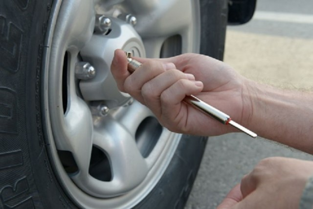 change-tire