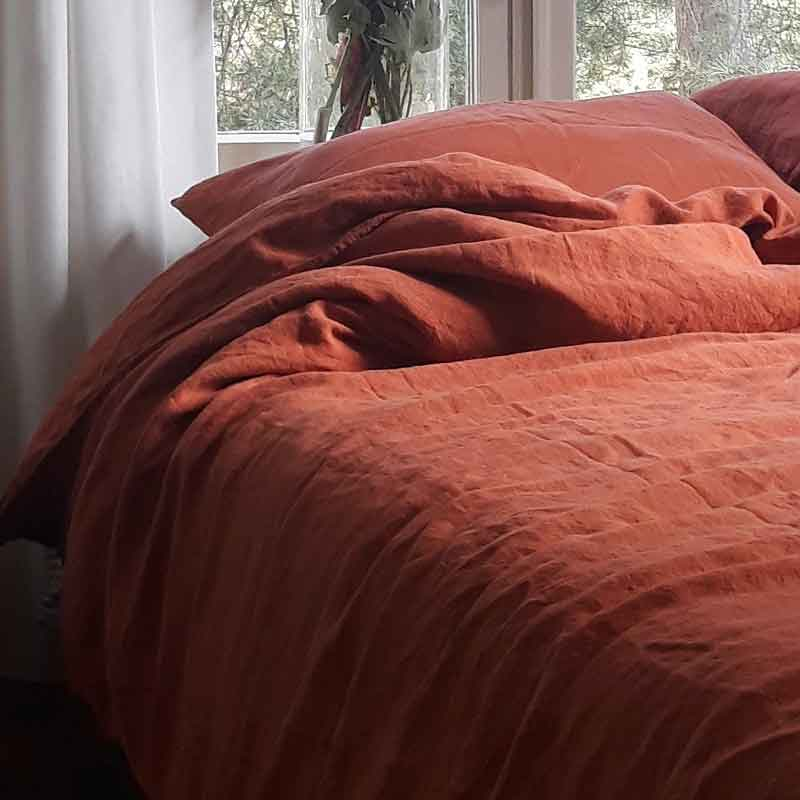 Terra cotta color, clay color, linen duvet cover Baked Clay, brand Casa Homefashion, can be ordered online at Casa Comodo