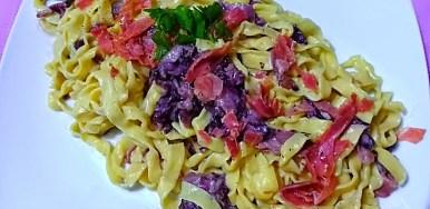 Tagliatelle fresche radicchio gorgonzola e crudo di Parma
