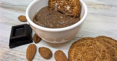 Crema pasticcera alle nocciole e cioccolato