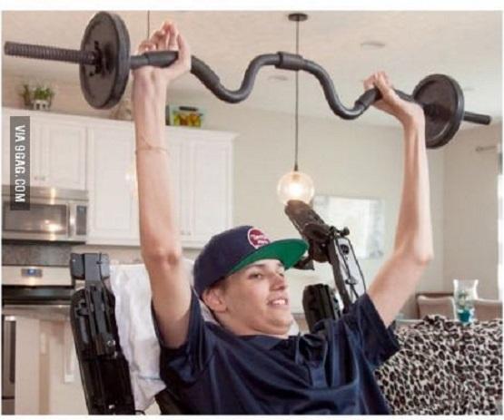 Tetraplégico recupera controle do corpo após receber células-tronco