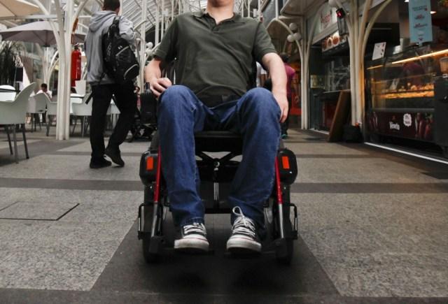 Pessoas que têm cadeiras de rodas, muletas e outros equipamentos hospitalares podem encontrar quem precisa | Daniel Castellano