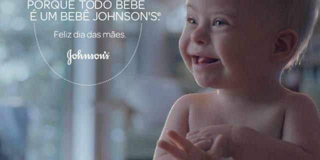 foo de bebê sorrindo. texto porque todo bebê é um bebê johnson's.