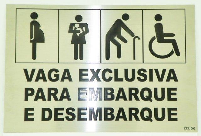 Resultado de imagem para Isenção de taxa de embarque a idosos e pessoas com deficiência
