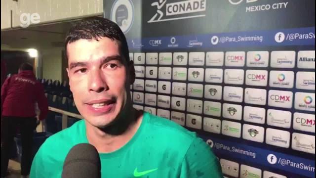 Nadador Daniel Dias conquista quarto ouro no Mundial e celebra