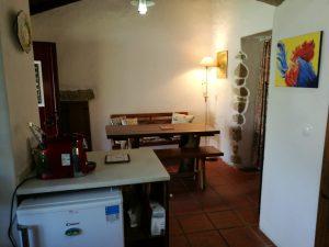 Casa das Amoras Kitchen & Dining Area