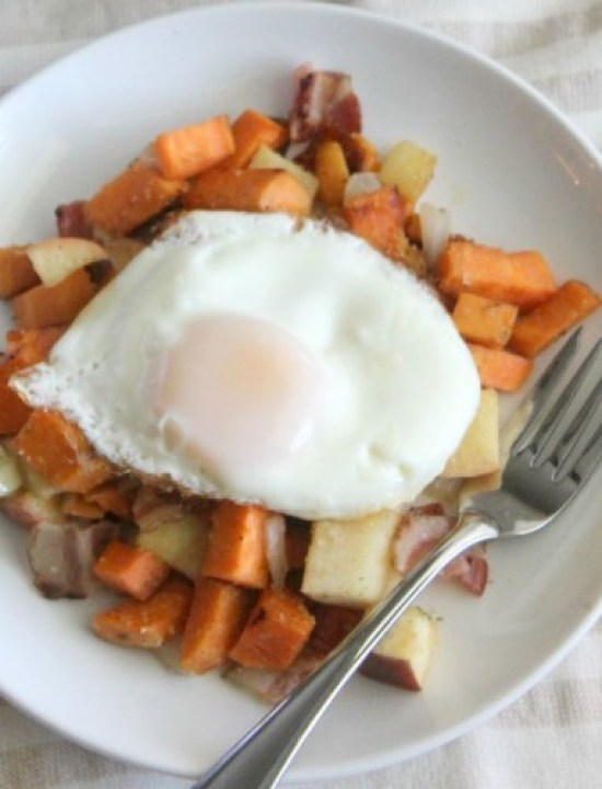 Sweet Potato, Apple and Bacon Hash with Egg