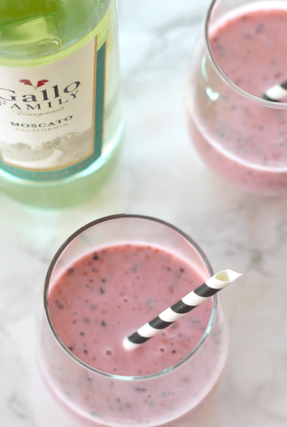 Mixed Berry Moscato Smoothie for #SundaySupper #GalloFamily