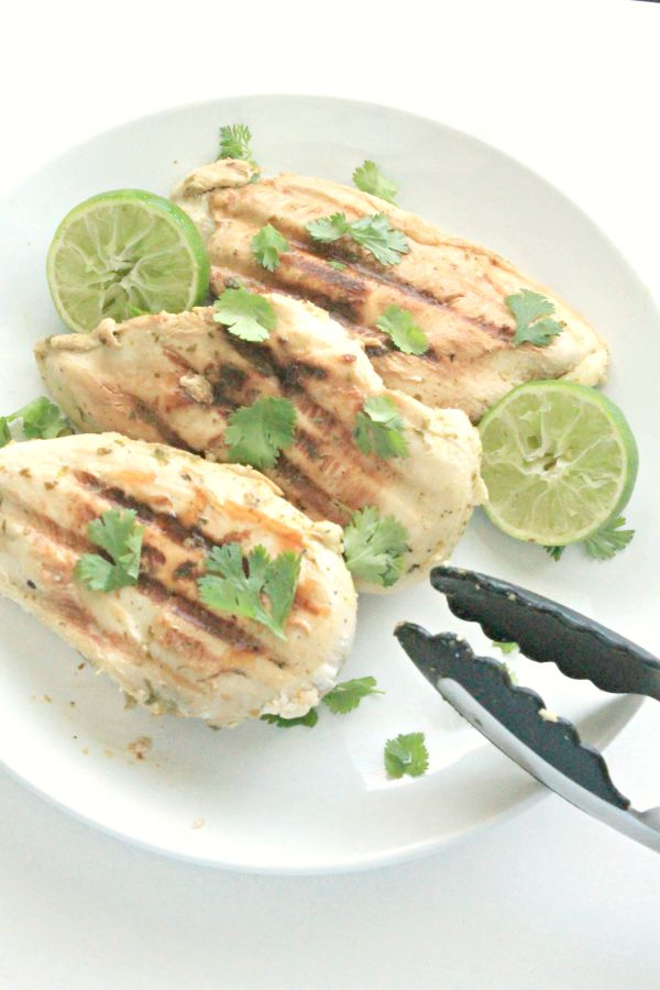Grilled Cilantro-Lime Chicken - perfect for a quick dinner, summer entertaining, or just because. Low-cal, low-carb, whole 30 compliant // #SwansonSummer