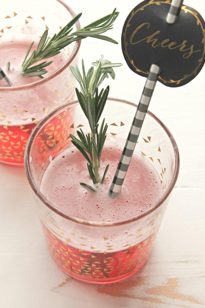 Blackberry Champagne Sparkler | casadecrews.com