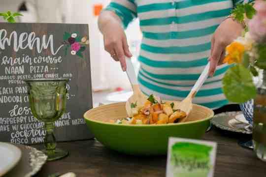 Grilled Peach and Burrata Panzanella Salad - perfect for summer! #SummerFloralParty   casadecrews.com