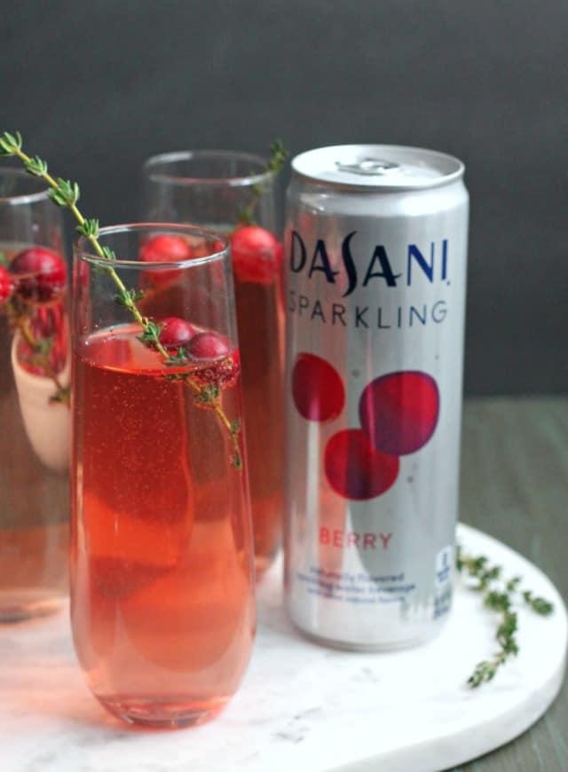 Sparkling Berry and Pomegranate Mocktail | casadecrews.com
