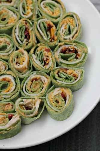 Sriracha Hummus Pinwheels Sandwiches