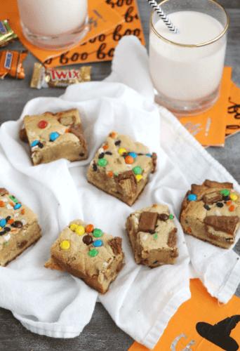 Halloween Candy Cookie Bars