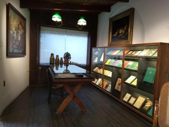 La Chascona Biblioteca