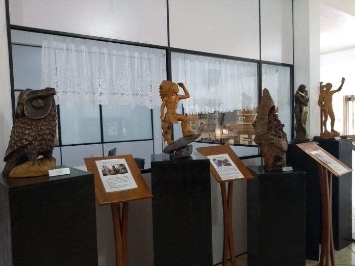 Em Treze Tílias a arte do entalhe foi trazida pelos fundadores da cidade.