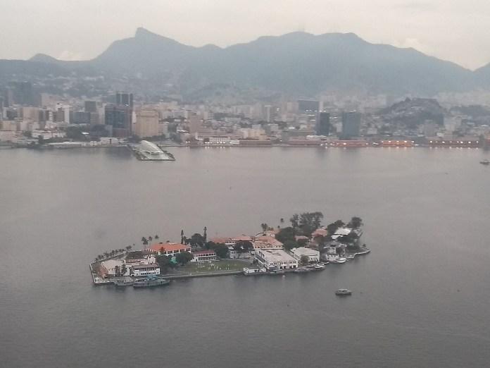 Museu do Amanhã visto do avião, quando estava aterrissando no Santos Dumont.
