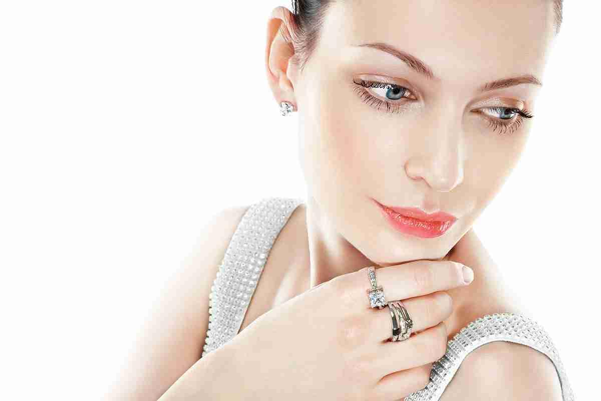 Diamond-ring-mj83dhuqb84fq93z5go98wefrogque9hsomwid92rk