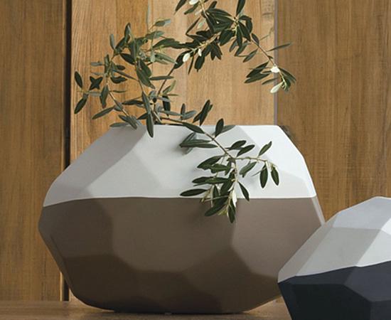 Il concetto che sta alla base dell'arredo di una parete attrezzata moderna è quello di un insieme armonico, che abbia un grande impatto visivo, consentendo di ottimizzare gli spazi e trasformare il living in un ambiente elegante e raffinato. Oggettistica Per La Casa E Complementi Di Arredo Design Moderno