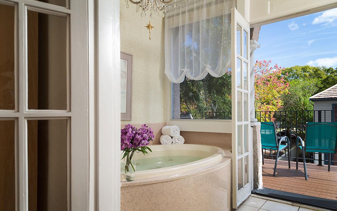 Cordova Bath 1140x712