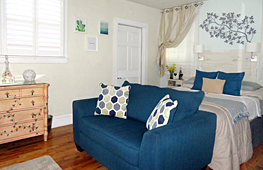 Click for Nieves Room details