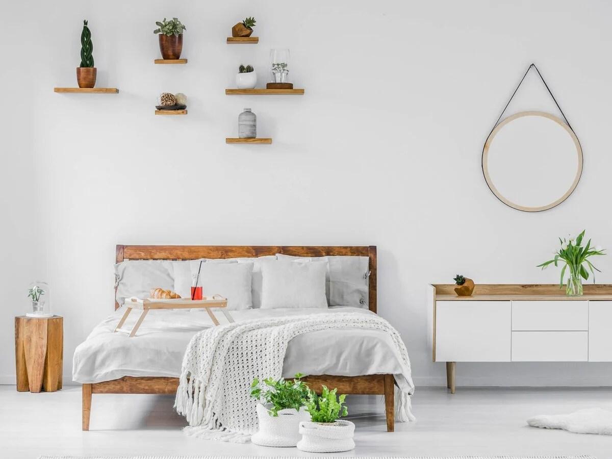 Carrello mobiletto porta tv con ruote e mensole per camera da letto, dimensioni 44x34x90 cm. Come Scegliere Le Mensole Per La Camera Da Letto