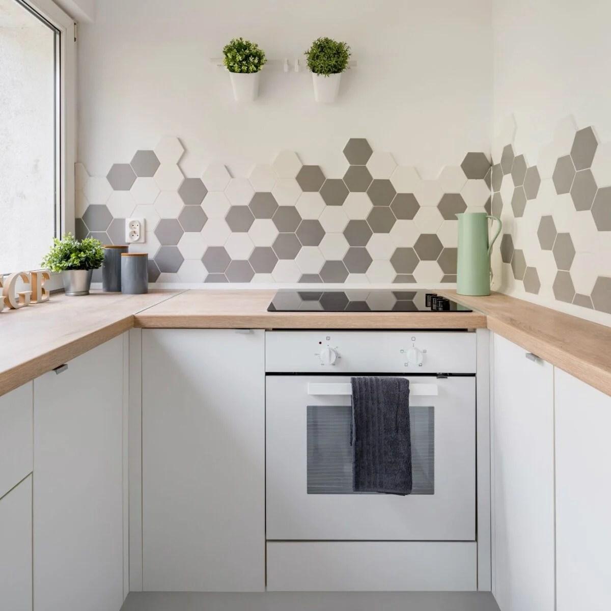 per voi, più di 30 collezioni per il tuo rivestimento cucina e per venire incontro a qualsiasi tipo di esigenza stilistica. Idee E Consigli Per Scegliere Le Piastrelle In Cucina A Seconda Dello Stile