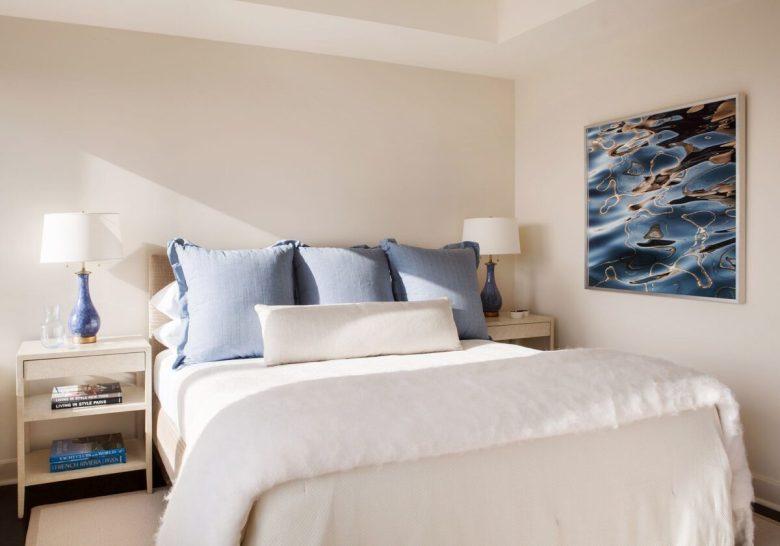 In una camera da letto classica il color avorio viene generalmente accostato a tonalità come il panna, il tortora, il beige e l'oro. Camera Da Letto Con Pareti Color Avorio Ispirazioni Cromatiche E Di Arredo