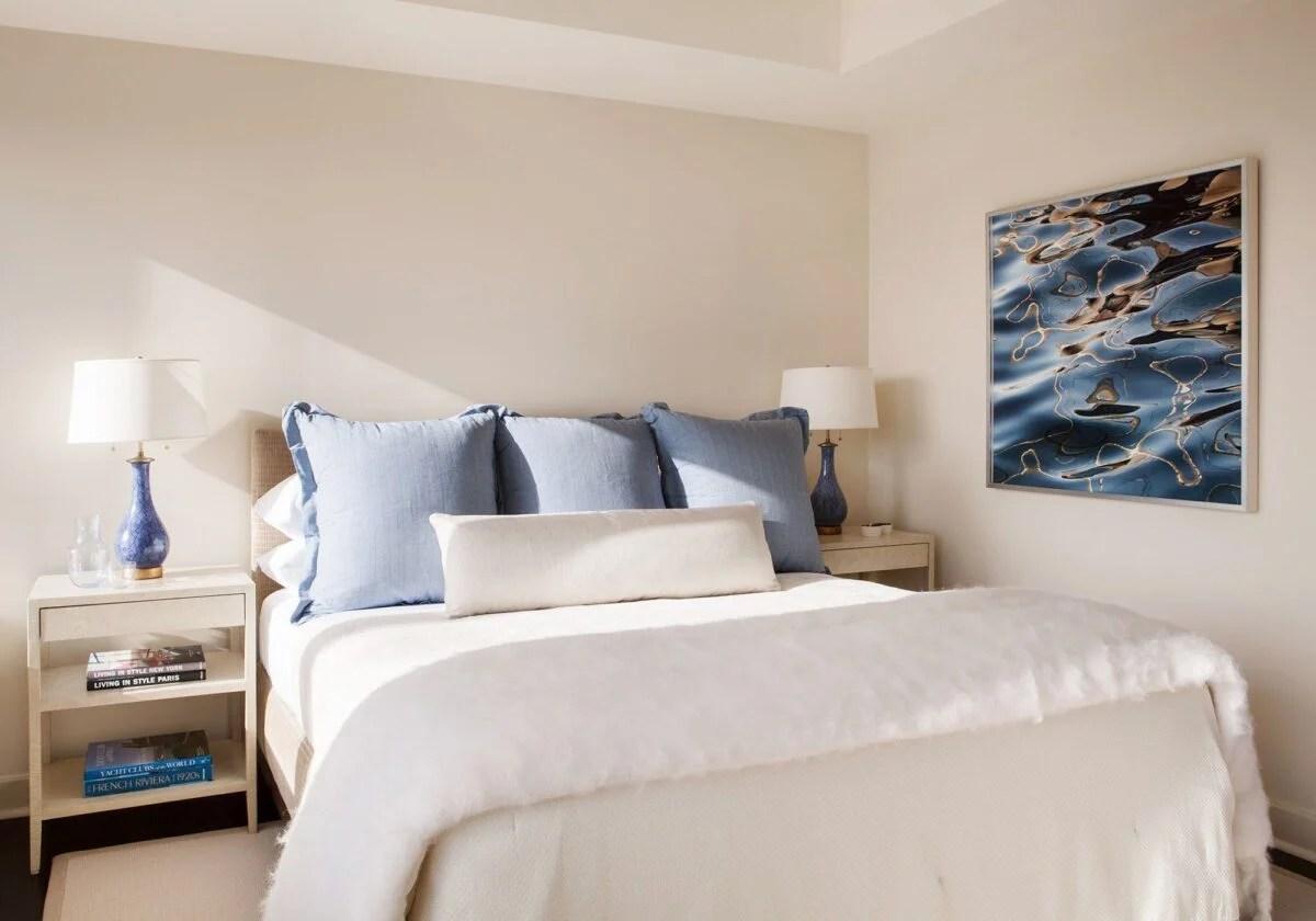 colori per pareti camera da letto 2021. Camera Da Letto Con Pareti Color Avorio Ispirazioni Cromatiche E Di Arredo