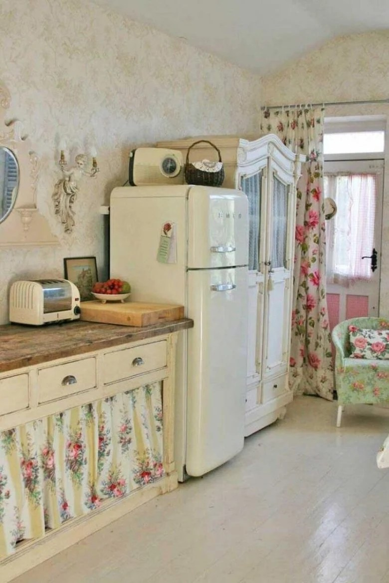 La cucina in arte povera giorgia di mondo convenienza è perfetta per chi ama l'arredamento dal sapore retrò, country e rustico, ricco di. Cucina Piccola Stile Shabby 6 Delicate Ispirazioni D Arredo